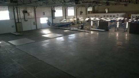 HM08 B entrepôt RDC Est